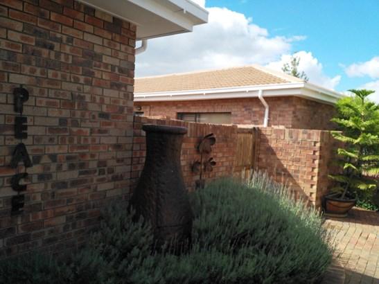 Hillcrest, Kimberley - ZAF (photo 1)
