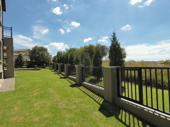 182 Kestrel, Ebotse Golf Estate, Benoni - ZAF (photo 4)