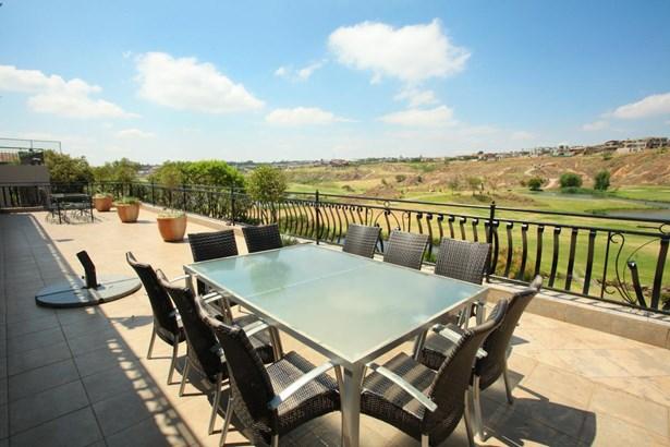 739 Nicks, Eagle Canyon Golf Estate, Roodepoort - ZAF (photo 3)