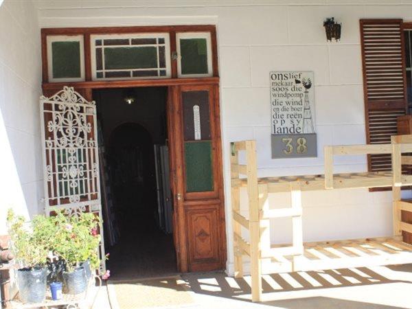38 Van Riebeeck, Ladismith - ZAF (photo 3)