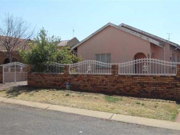 Lenasia South, Johannesburg - ZAF (photo 2)