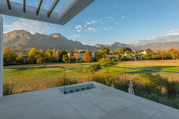9 Lanner, Erinvale Golf Estate, Somerset West - ZAF (photo 2)
