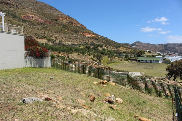 3 Colebrooke, Simons Town Central, Simons Town - ZAF (photo 2)