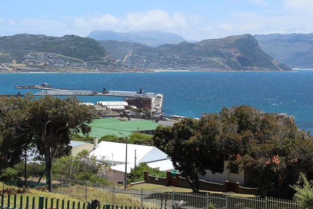 3 Colebrooke, Simons Town Central, Simons Town - ZAF (photo 3)