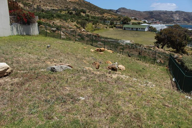 3 Colebrooke, Simons Town Central, Simons Town - ZAF (photo 5)