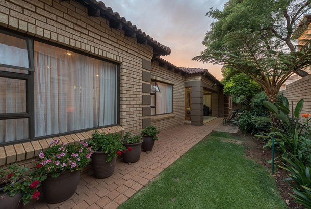 44 Cussonia, Bassonia Estate, Alberton - ZAF (photo 1)