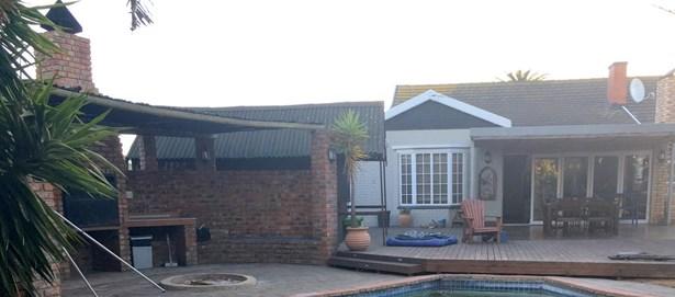 64 Maureen, Bluewater Bay, Port Elizabeth - ZAF (photo 1)