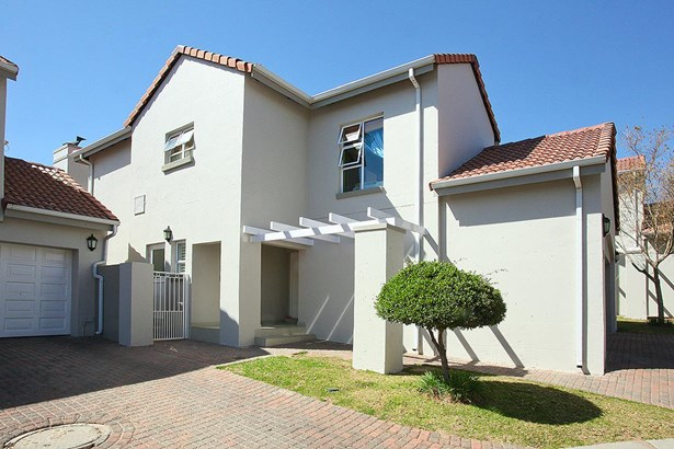 319 Turnberry , Eagle Canyon Golf Estate, Roodepoort - ZAF (photo 1)
