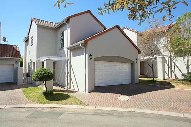 319 Turnberry , Eagle Canyon Golf Estate, Roodepoort - ZAF (photo 2)