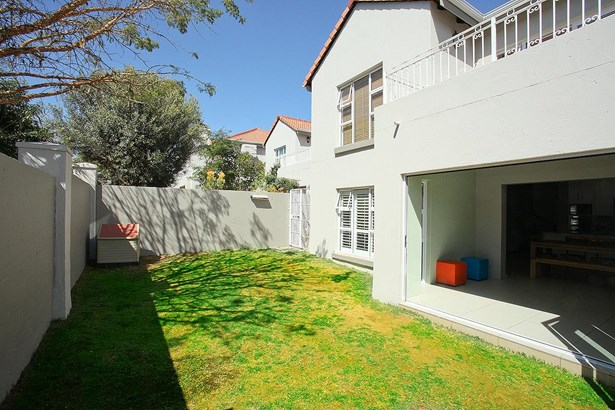 319 Turnberry , Eagle Canyon Golf Estate, Roodepoort - ZAF (photo 3)