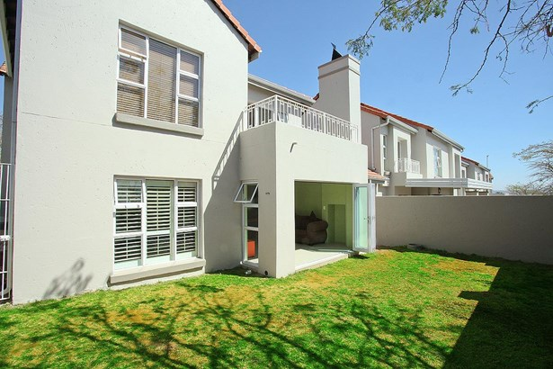 319 Turnberry , Eagle Canyon Golf Estate, Roodepoort - ZAF (photo 4)