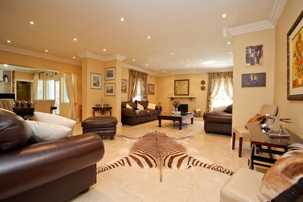 3 Withycombe, Constantia, Cape Town - ZAF (photo 2)