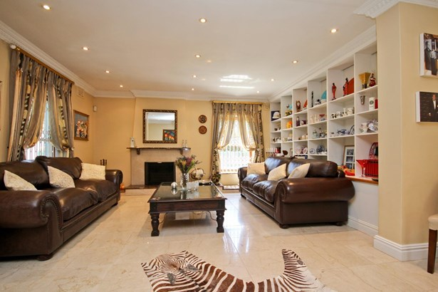 3 Withycombe, Constantia, Cape Town - ZAF (photo 3)