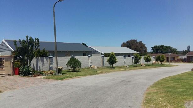 22 Michelle, Rowallan Park, Port Elizabeth - ZAF (photo 2)