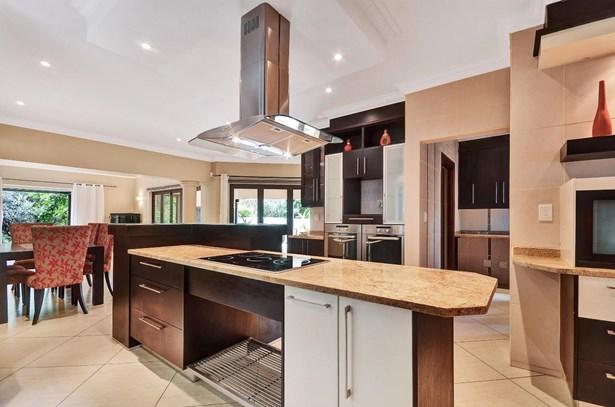 873 Tarentaal, Featherbrooke Estate, Krugersdorp - ZAF (photo 4)