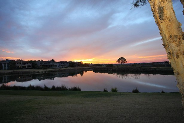 6 Muirfield, Eagle Canyon Golf Estate, Roodepoort - ZAF (photo 2)