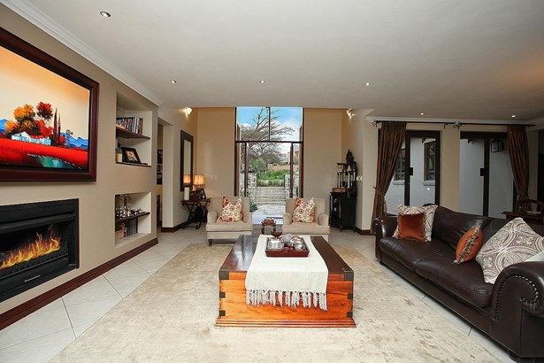 6 Muirfield, Eagle Canyon Golf Estate, Roodepoort - ZAF (photo 5)