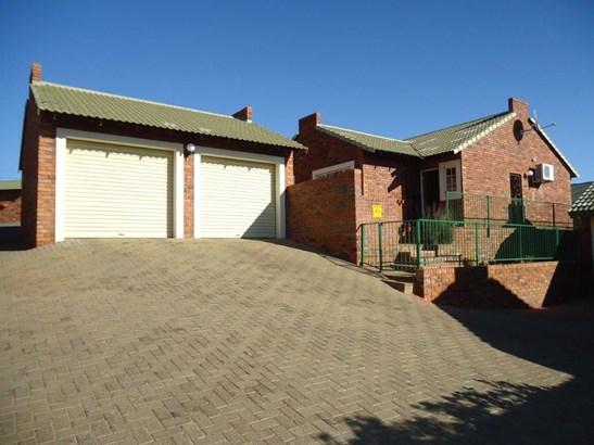 Kiepersol, Bloemfontein - ZAF (photo 1)