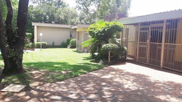 Kilner Park, Pretoria - ZAF (photo 1)