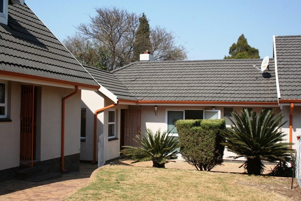 3 Erasmus, Eden Glen, Edenvale - ZAF (photo 1)