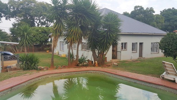 Wonderboom South, Pretoria - ZAF (photo 1)