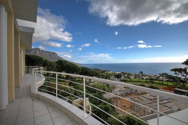 Camps Bay, Cape Town - ZAF (photo 2)