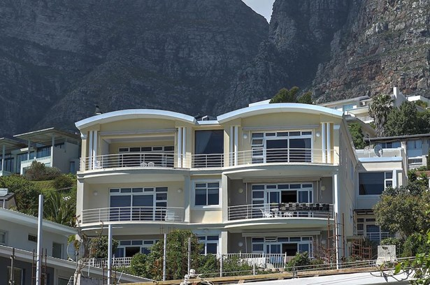 Camps Bay, Cape Town - ZAF (photo 3)