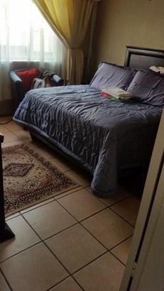 26 Jiyane, Protea North, Soweto - ZAF (photo 5)