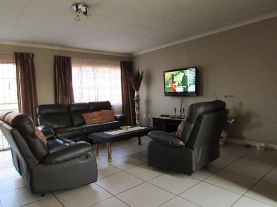 Krugersrus, Springs - ZAF (photo 2)