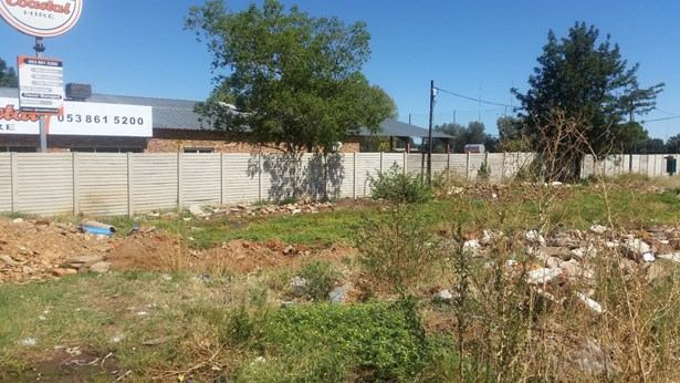 10a Schmidsdrift, Diamant Park, Kimberley - ZAF (photo 1)