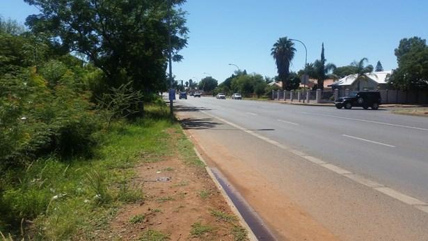 10a Schmidsdrift, Diamant Park, Kimberley - ZAF (photo 4)