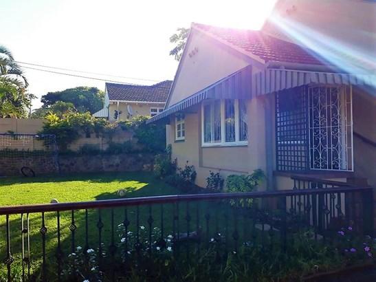 69 Margaret Maytom, Durban North, Durban - ZAF (photo 1)