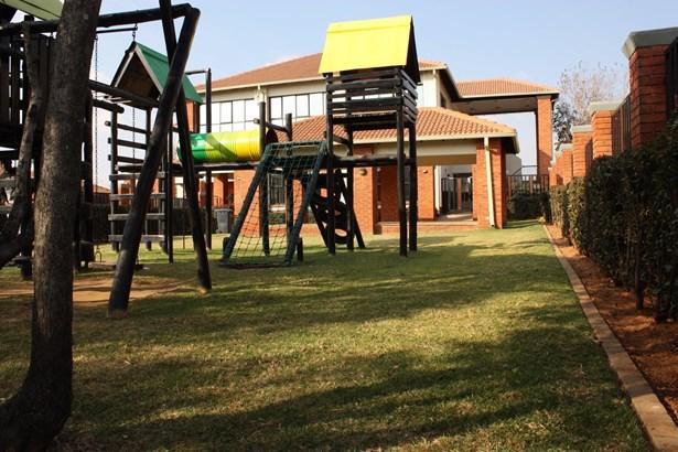 Acacia, Greenstone Hill - ZAF (photo 5)