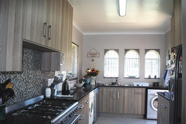 Eden Glen, Edenvale - ZAF (photo 2)