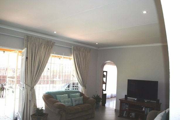 Eden Glen, Edenvale - ZAF (photo 3)
