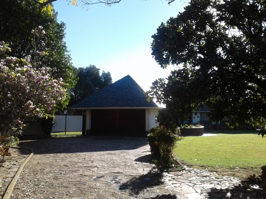 Selcourt, Springs - ZAF (photo 2)