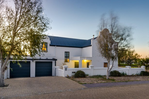 Croydon Vineyard Estate, Somerset West - ZAF (photo 2)