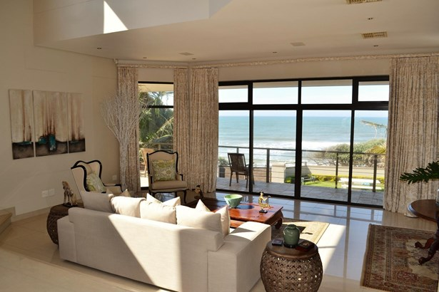 18 South Beach, Umdloti - ZAF (photo 2)
