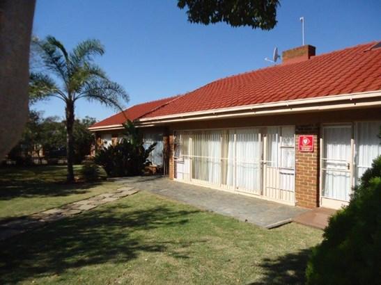 Universitas, Bloemfontein - ZAF (photo 1)