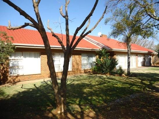 Universitas, Bloemfontein - ZAF (photo 2)