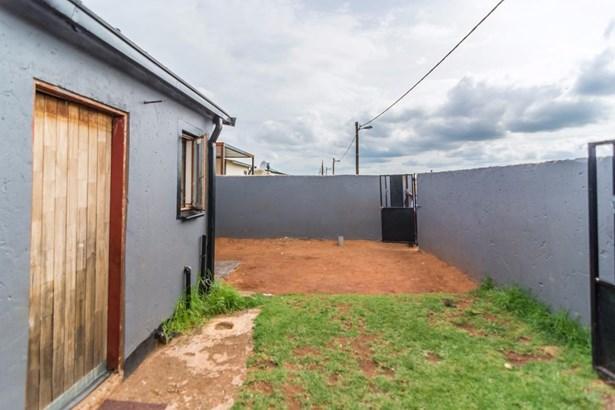 26 Alsatian Street, Protea Glen, Soweto - ZAF (photo 2)