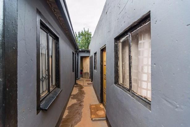 26 Alsatian Street, Protea Glen, Soweto - ZAF (photo 3)