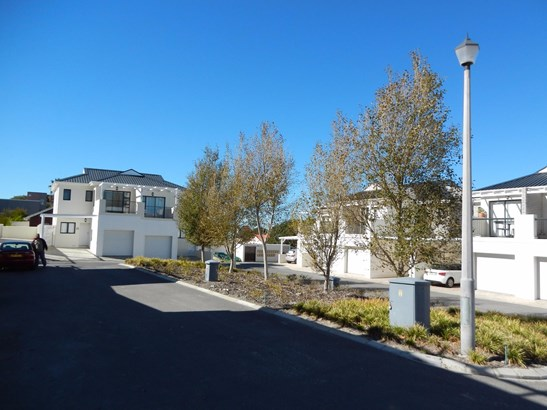 4823 Silverwood Estate, Onrus, Hermanus - ZAF (photo 4)