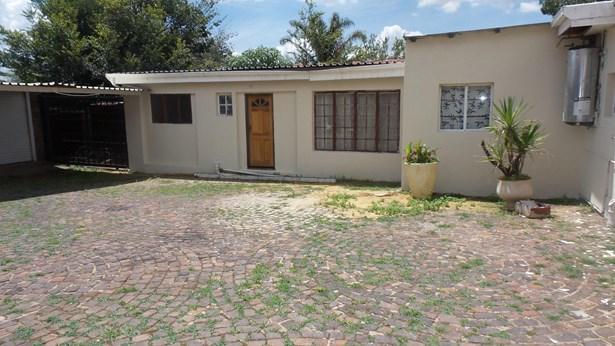 Silverfields, Krugersdorp - ZAF (photo 2)