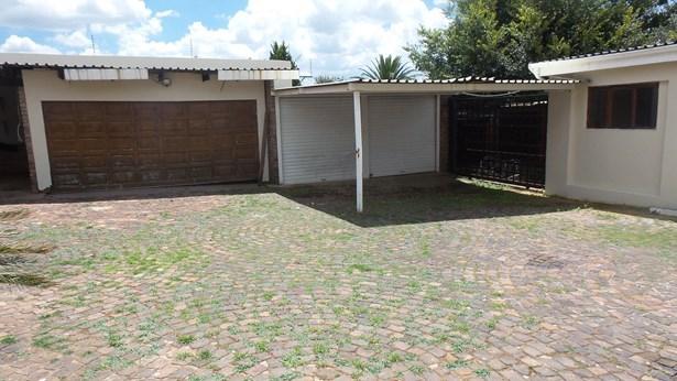 Silverfields, Krugersdorp - ZAF (photo 3)