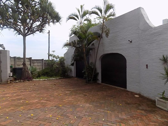 1 Bougainvillea, Glen Hills, Durban North - ZAF (photo 2)