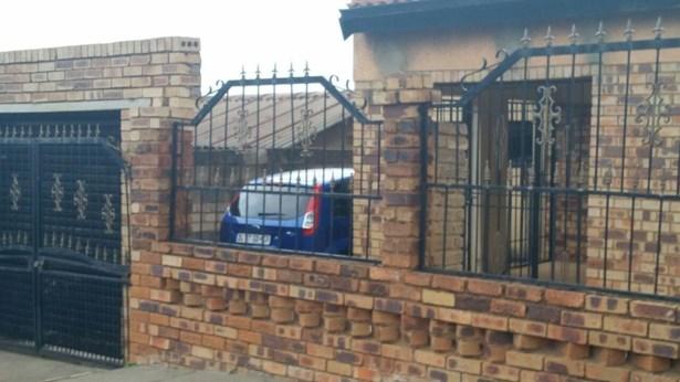Meadowlands & Ext, Soweto - ZAF (photo 1)