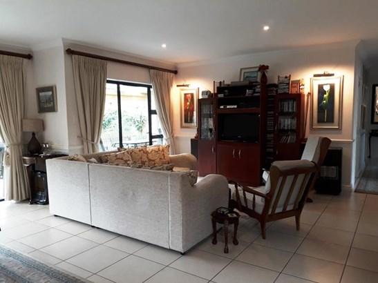 5 Beethoven , Walmer Heights, Port Elizabeth - ZAF (photo 2)