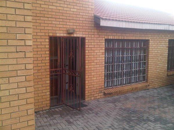 Kwaggasrand, Pretoria - ZAF (photo 2)