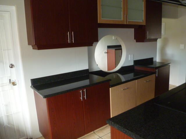 66 Newport, Glenashley, Durban North - ZAF (photo 2)
